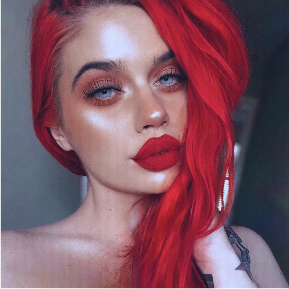 Adore Truly Red 60